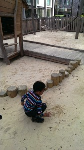 Giant sandpit E20_MotheringMushroom